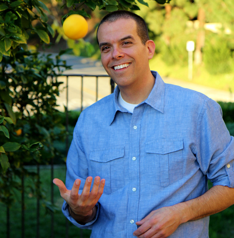 Vince Lia visits Allison Melody and Suzy Hardy on the Food Heals podcast to share his story of healing from ulcerative colitis through food.